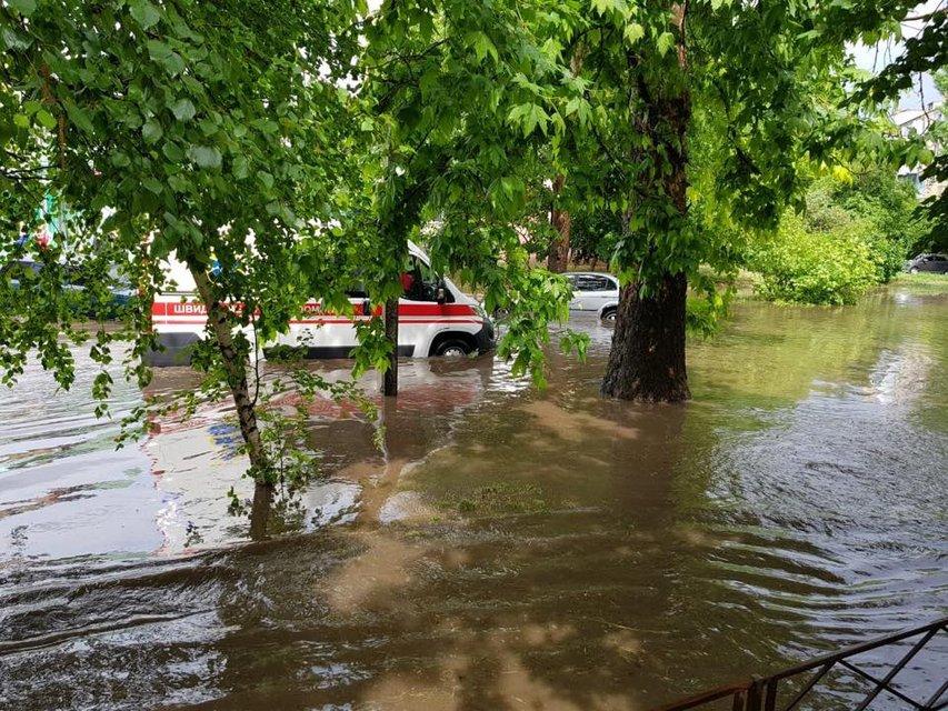 Херсон затопило после сильного дождя (фото) - фото 126242