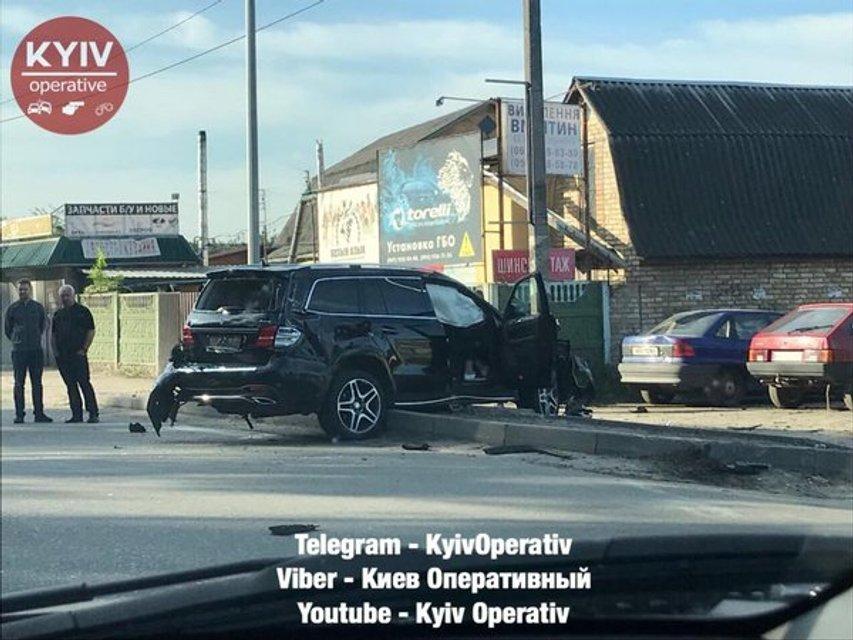 Пьяный водитель попал в ДТП со множеством машин и заблокировал въезд в Киев (ФОТО) - фото 125263