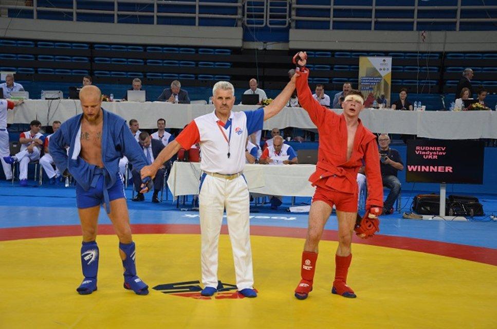 Украинцы завоевали 7 медалей на чемпионате Европы по самбо - фото 125979