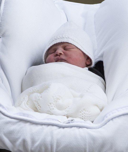 Опубликовано первое совместное фото детей Кейт Миддлтон и принца Уильяма - фото 123466