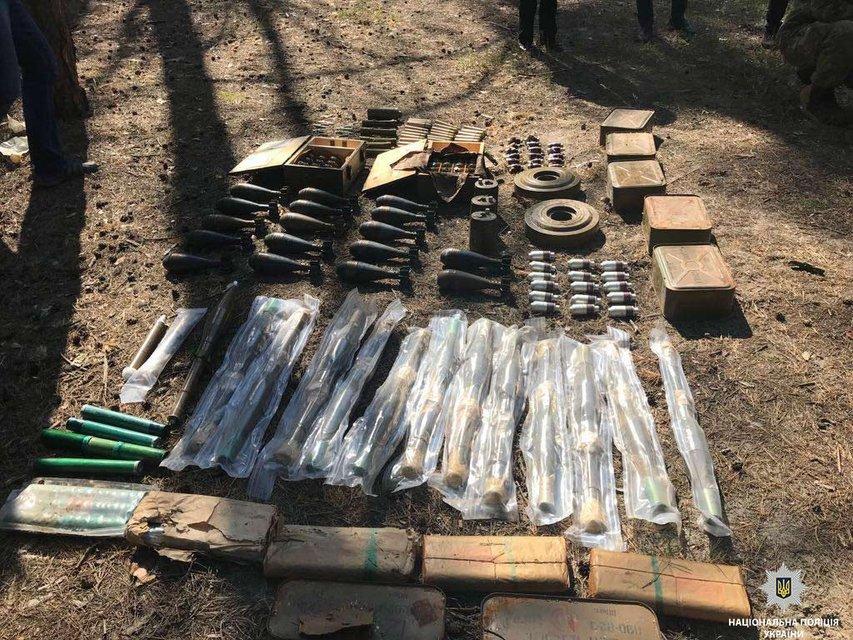 280 гранат и 37 мин: В Днепре обнаружили боеприпасы из Донбасса - фото 126675