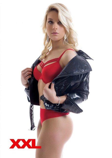 Латекс и кожа: Лучшая фехтовальщица Украины оголилась для журнала XXL (фото) - фото 123096