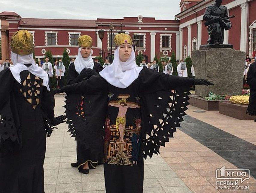 В Кривом Роге ветеранам 9 мая спели песню о российских наемниках в Сирии - фото 124102