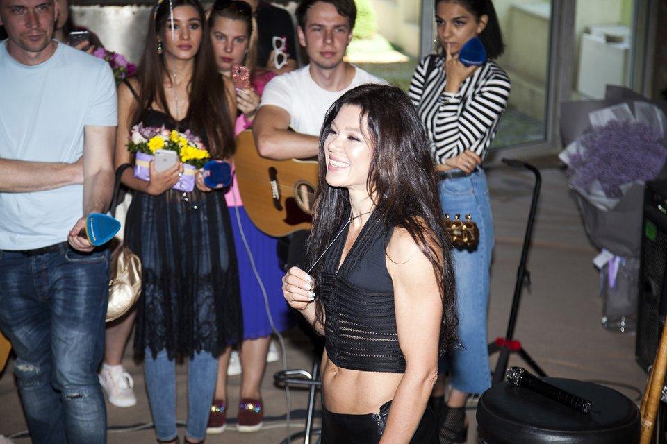 День рождения: Руслана играла на трембите и спела новую песню, ФОТО - фото 127209