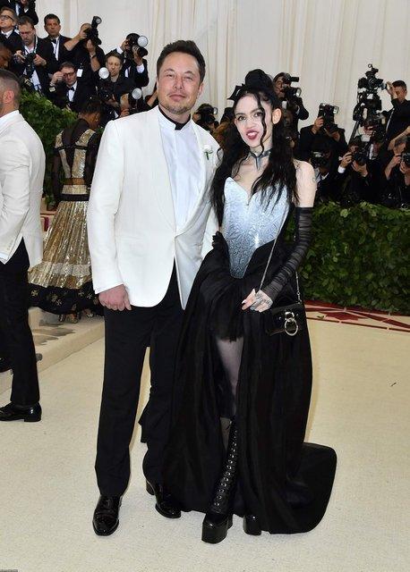 Met Gala-2018: Илон Маск появился на красной дорожке с новой девушкой - фото 123855