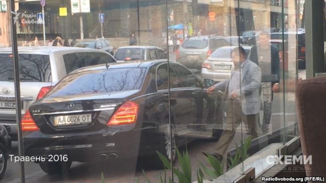 Элитное жилье и транспорт Грановского: Как живет 'рядовой' нардеп БПП - фото 127150