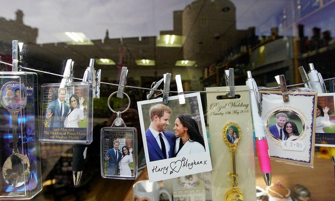 Простых гостей на свадьбе принца Гарри и Меган Маркл кормить не будут - фото 123240