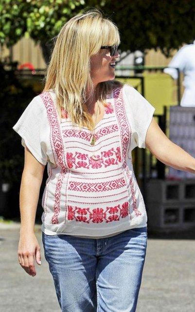 День вышиванки: голливудские звезды в традиционном украинском наряде - фото 125456