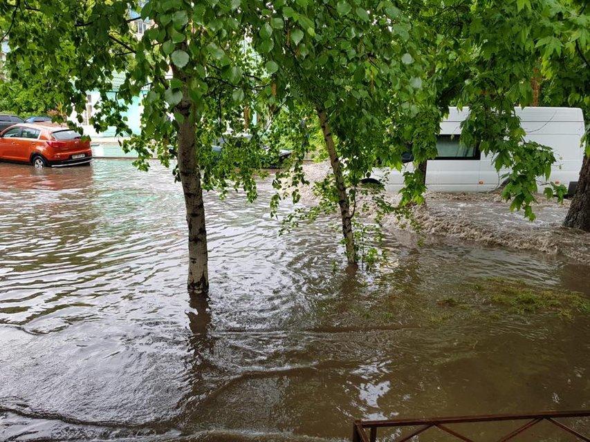 Херсон затопило после сильного дождя (фото) - фото 126243