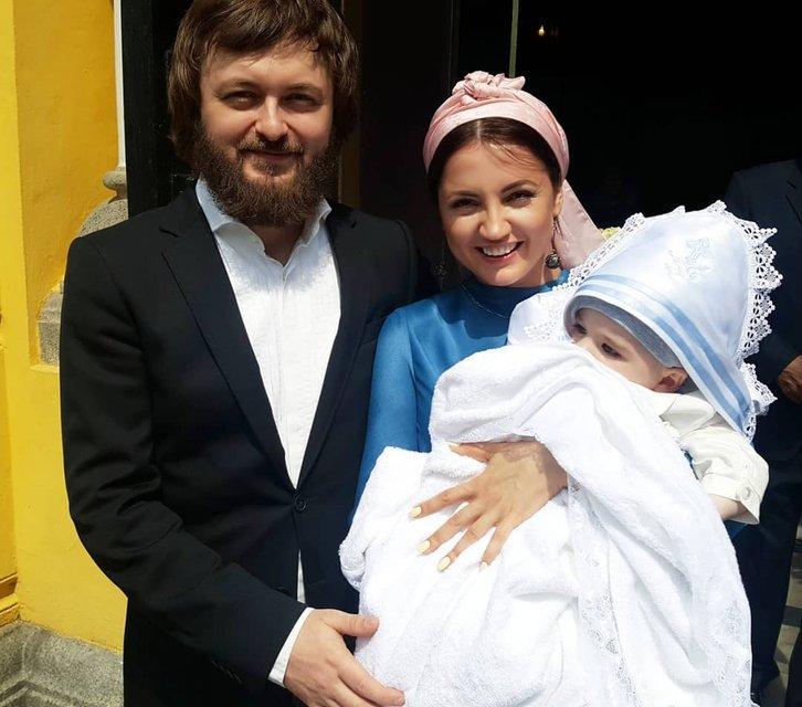 Стали родителями: Оля Цибульская и Dzidzio запутали фанатов - фото 125297