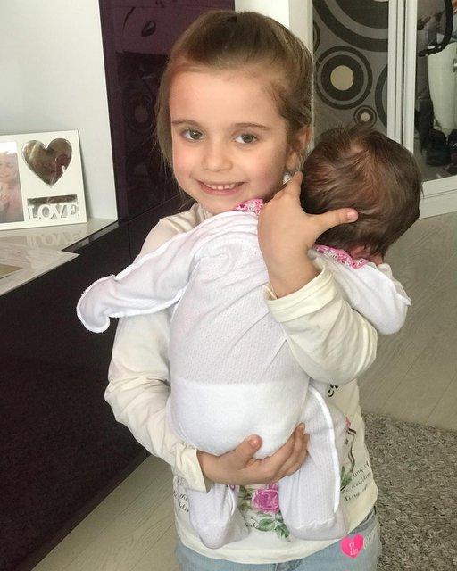 Лилия Ребрик растрогала сеть фотографией дочек - фото 124489