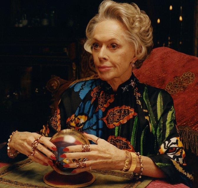 Бабушка Дакоты Джонсон стала лицом Gucci - фото 125416
