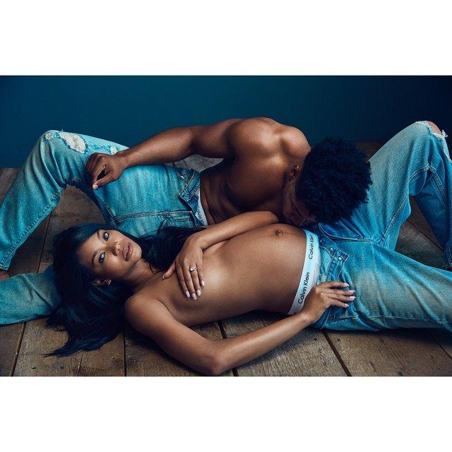 Топ-модель интимными снимками подтвердила беременность - фото 124760