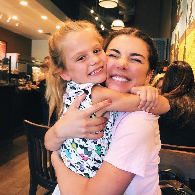 Седоковой запретили публиковать фото младшей дочери - фото 123563