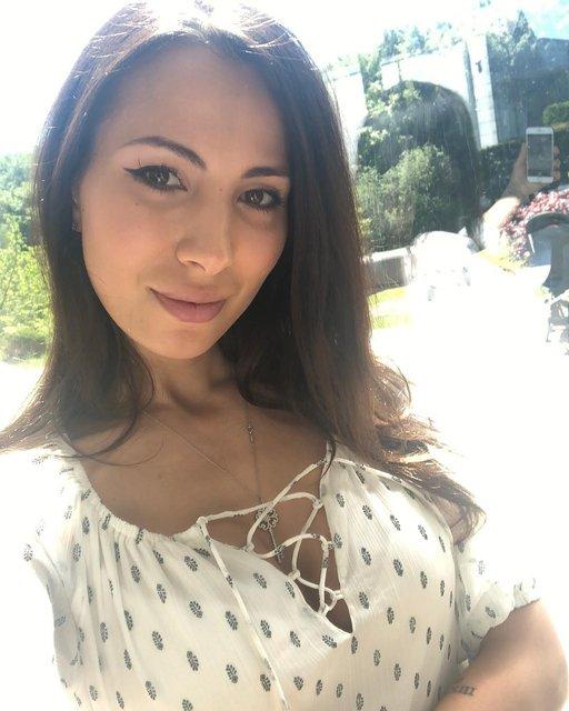 Жена Ярмоленко похвасталась сэлфи в пикантном белье - фото 125689