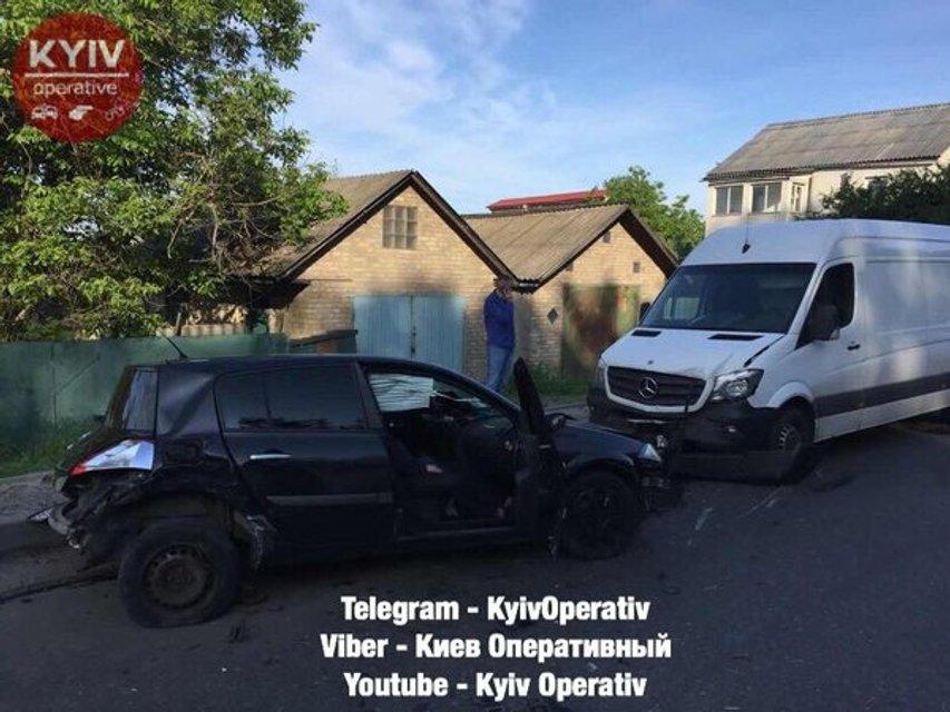 Пьяный водитель попал в ДТП со множеством машин и заблокировал въезд в Киев (ФОТО) - фото 125264