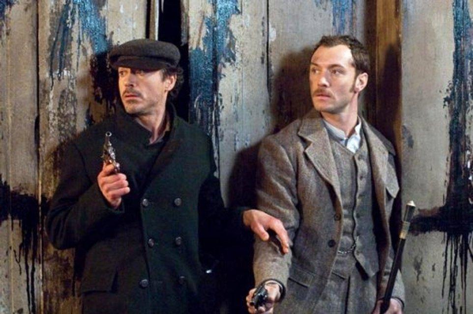 Стала известна дата выхода третьей части Шерлока Холмса - фото 123897