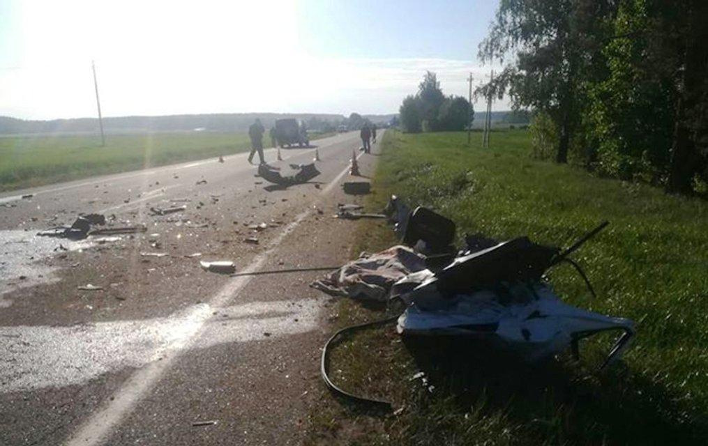Черепно-мозговые травмы у всех: футбольная команда из Украины попала в ДТП в Беларуси - фото 124693