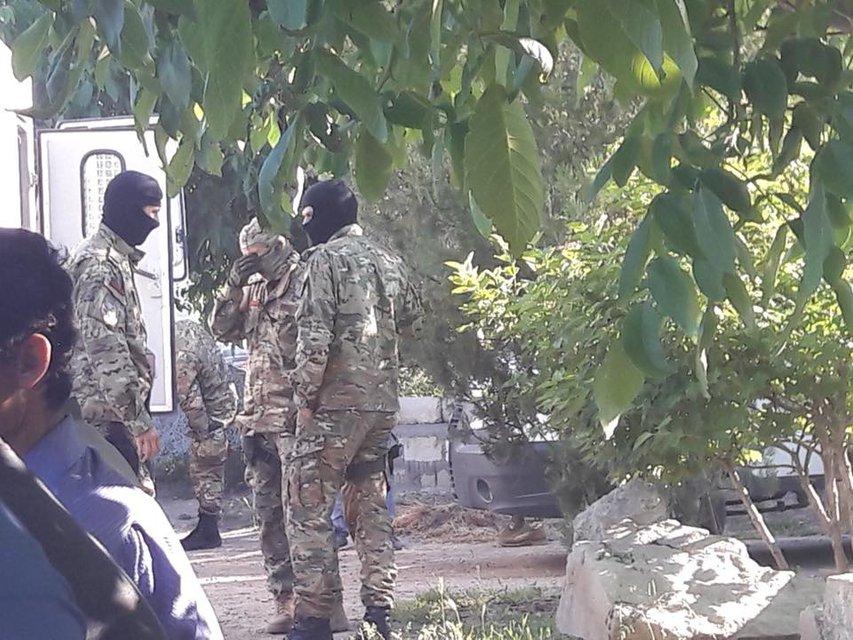 Оккупанты проводят новые обыски у крымских татар - фото 126207