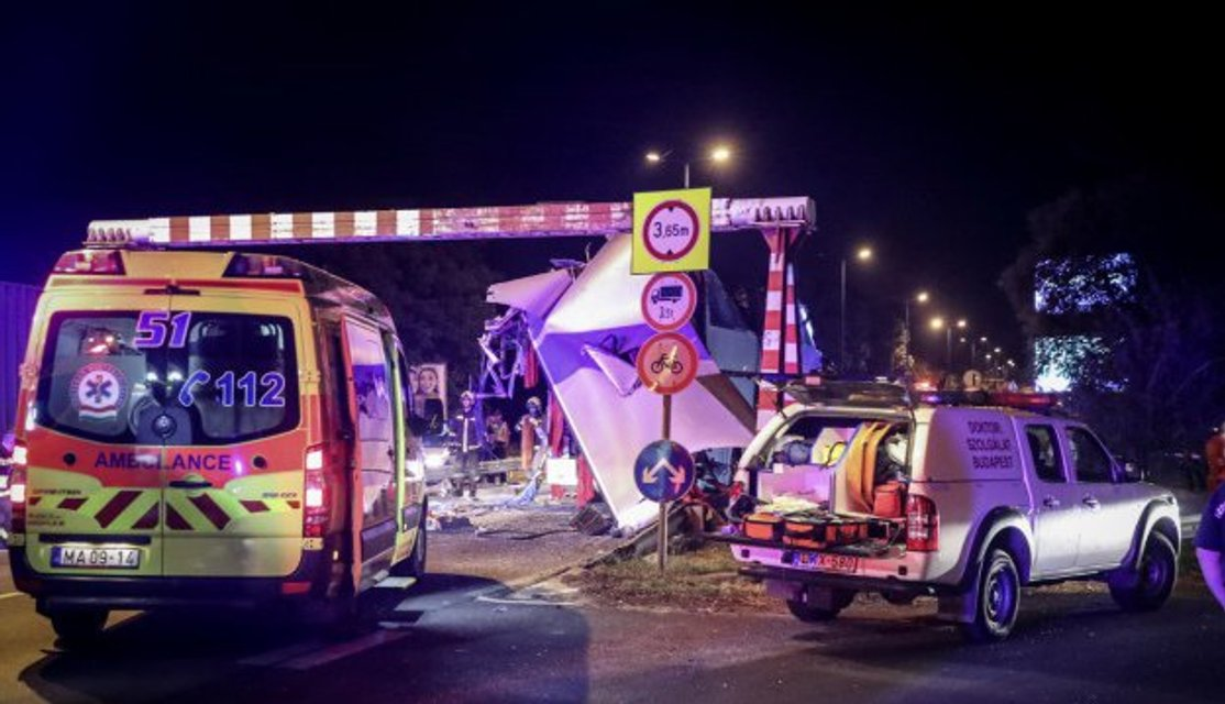 В Будапеште попал в ДТП автобус с украинцами, десятки пострадавших - фото 127724