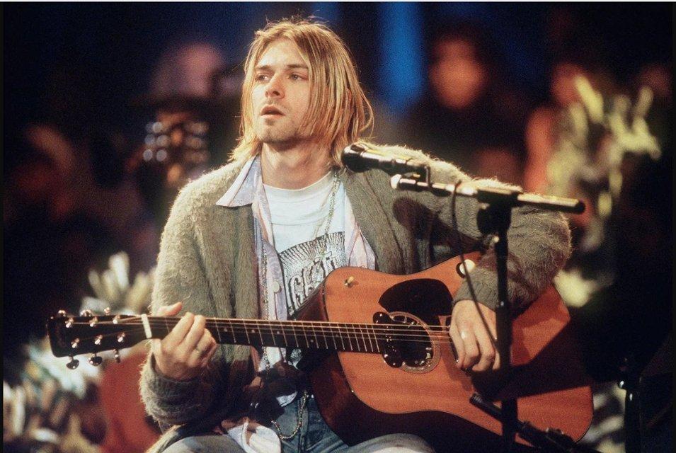 Дочь Курта Кобейна лишится легендарной гитары отца после развода - фото 125261