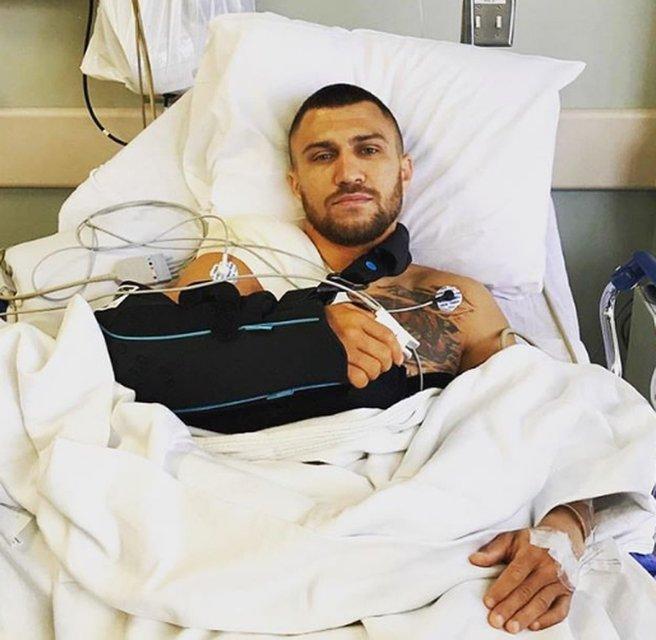 Ломаченко показал себя после операции - фото 128070