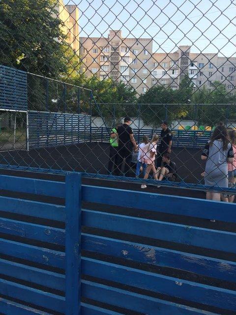В Житомирской области подростки жестоко избили восьмиклассника из-за 'неправильного ответа - фото 130029