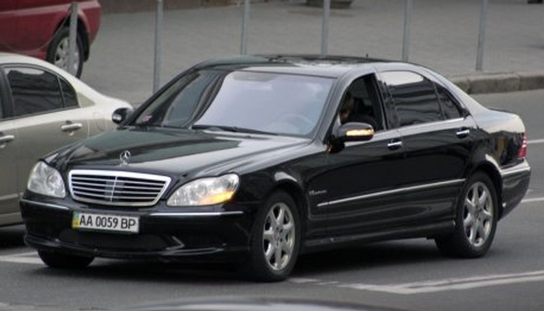В Севастополе заметили элитное авто с номерами Верховной Рады (ФОТО) - фото 129495