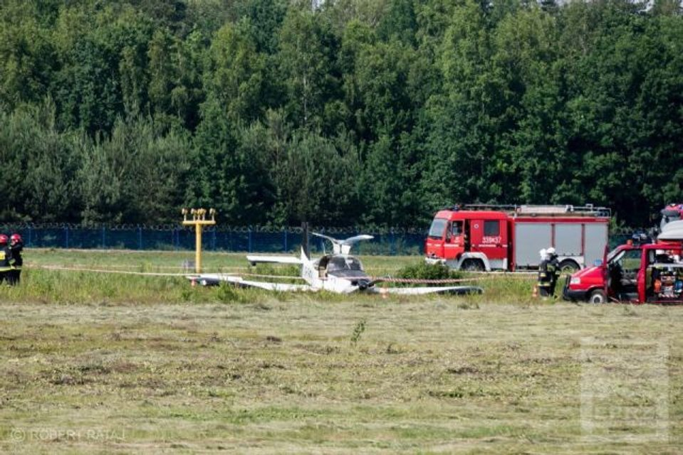 В Польше разбился украинский самолет, пострадали пассажиры - фото 129814