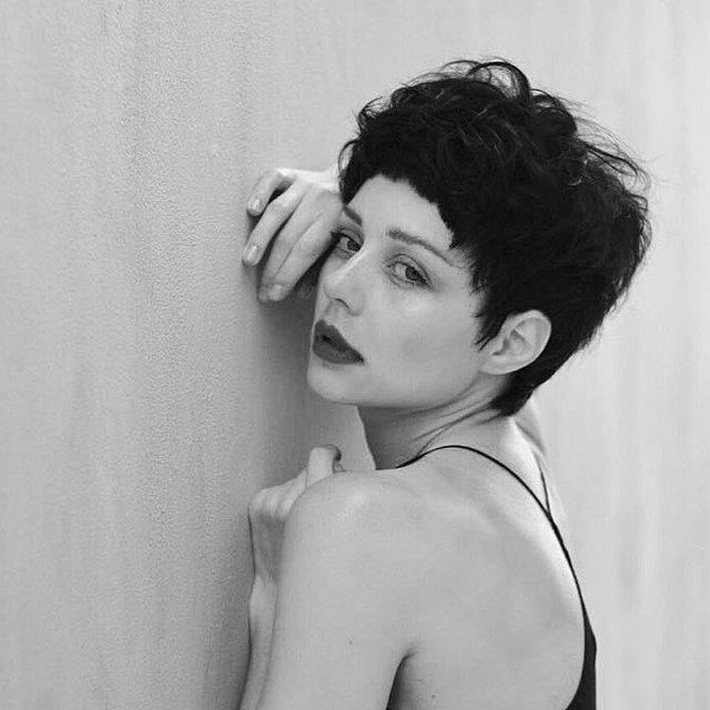 Тина Кароль полностью изменила внешность для съемок в фильме - фото 130691