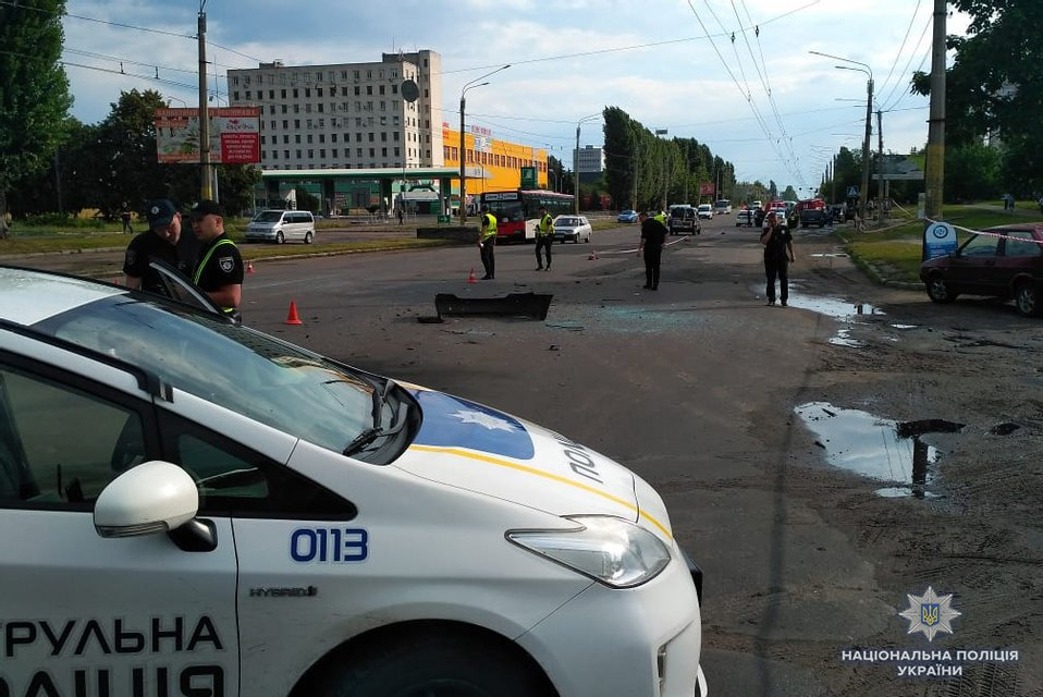 В Черкассах подорвали авто с местным бизнесменом - фото 131092
