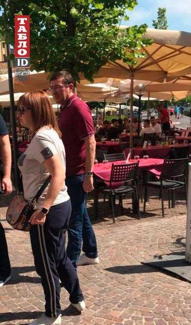 Нашел повод для отдыха: Луценко с супругой Ириной улетел отдыхать в Италию - фото 131098