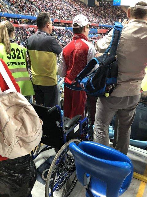 ЧМ-2018: В России аферисты под видом инвалидов попали на VIP-места - фото 131712