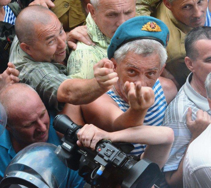 Каша из топора войны: Почему претензии афганцев и шахтеров - не по адресу - фото 131791