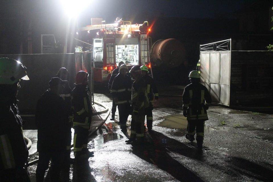В Тернопольской области горел спиртзавод: спасатели эвакуировали 350 человек - фото 132407
