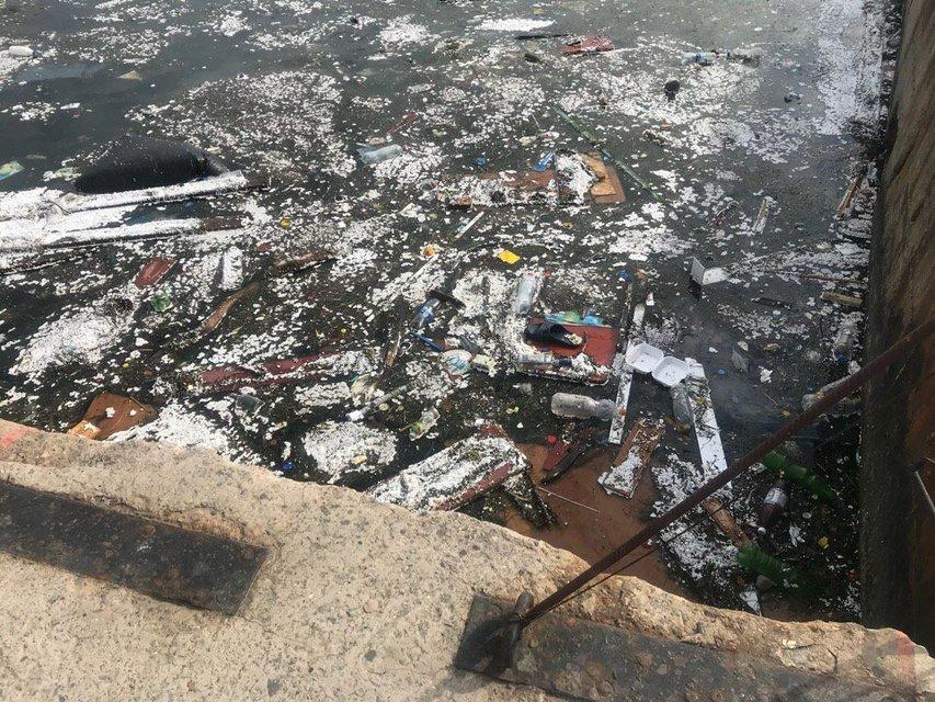 В сети показали ужасающие фото загрязненного моря в оккупированном Крыму - фото 132625