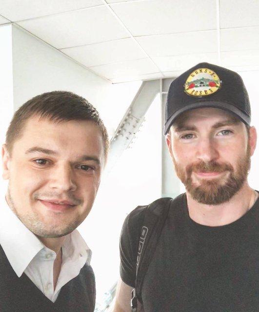 Актер 'Мстителей' засветился в аэропорту 'Борисполь' - фото 132803