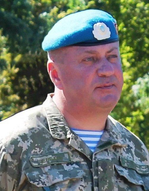 В Житомире тяжело ранили заместителя командующего Десантно-штурмовыми войсками - фото 133270
