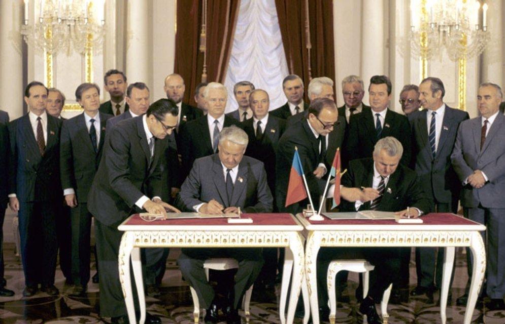 Дорога в западню: Как Россия готовила юридический плацдарм для захвата Украины - фото 128382
