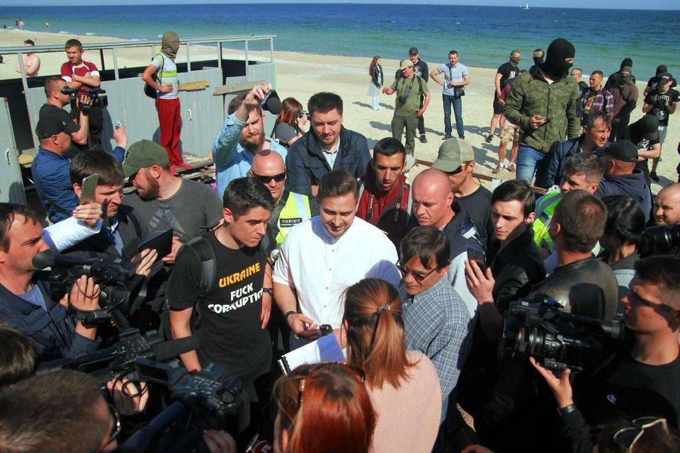 Одесские истории: Кто такой Виталий Устименко и почему он попал под раздачу - фото 129186