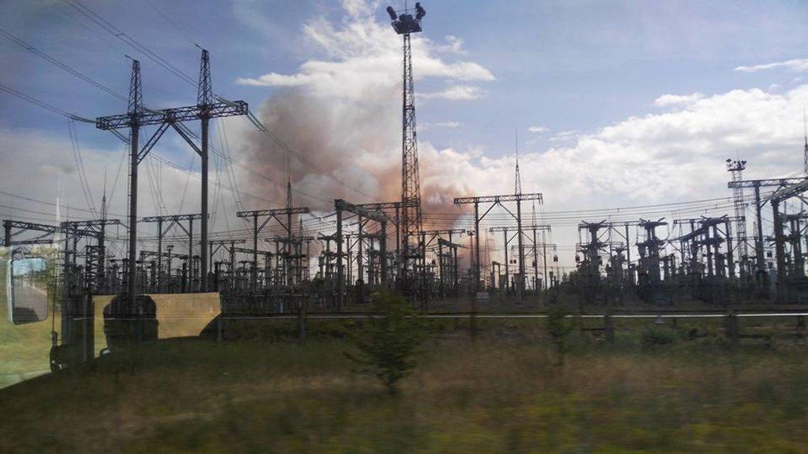 В Припяти прямо у АЭС горит 10 гектаров леса (ФОТО) - фото 129026