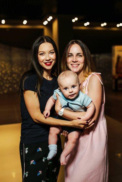 Полина Логунова провела кинобранч для молодых мам - фото 129052