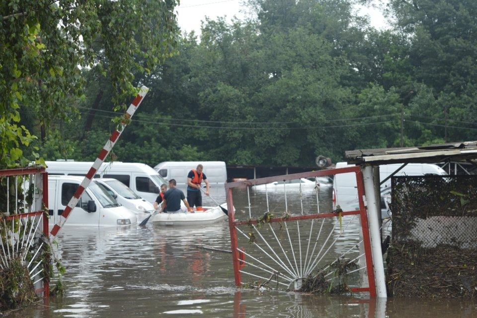 Мэр Чернигова пообещал возместить убытки пострадавшим от подтопления - фото 133440