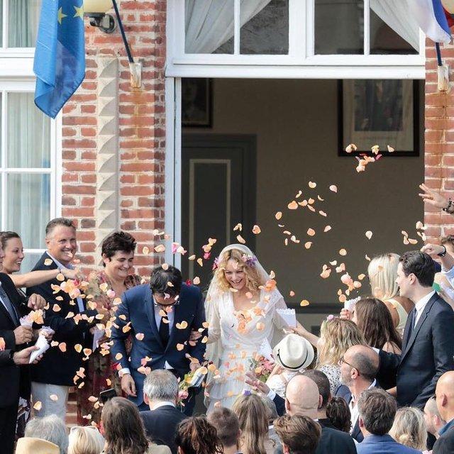 Ванесса Паради впервые вышла замуж - фото 133506