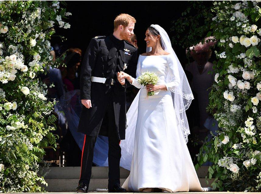 Друг принца Чарльза оскорбил Меган Маркл и ее семью - фото 133979