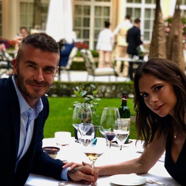 Виктория и Дэвид Бекхэм отпраздновали 19 годовщину свадьбы - фото 134248