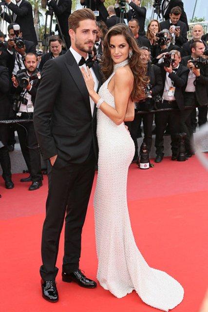 Модель Victoria's Secret Изабель Гулар выходит замуж за известного футболиста - фото 134300
