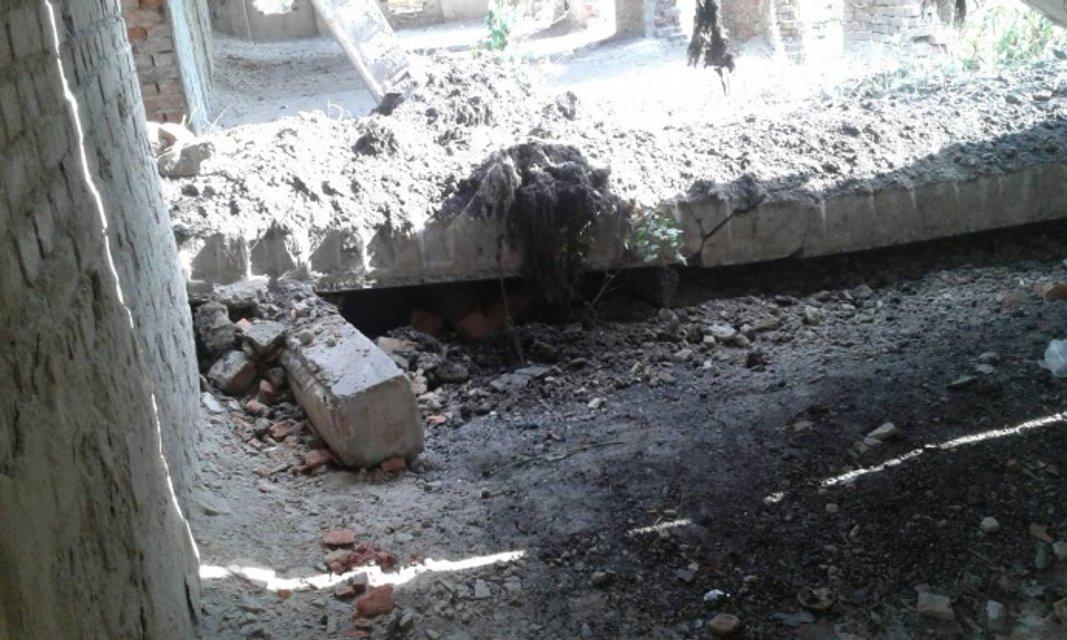 В Черниговской области бетонная плита убила троих детей - фото 134578
