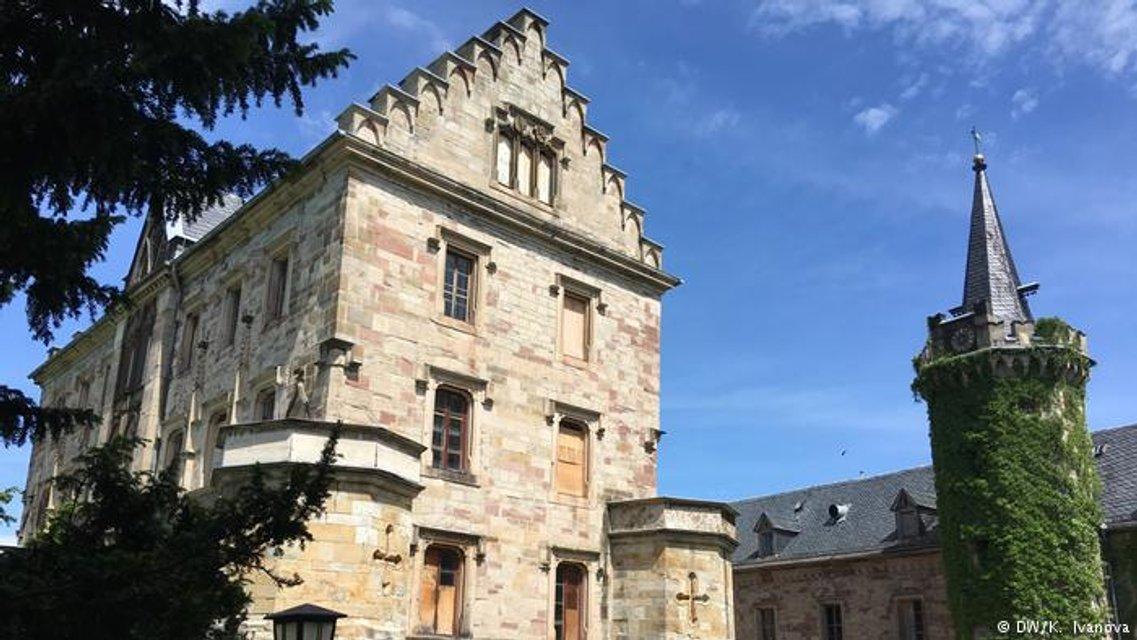 У экс-депутата РФ конфисковали замок в Германии - фото 135224