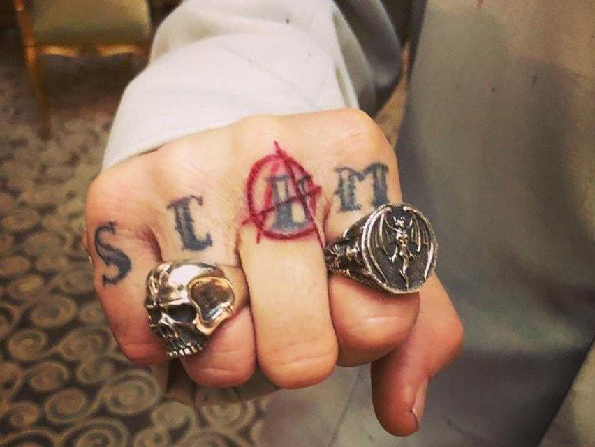 Джонни Депп изменил татуировку, посвященную Эмбер Херд - фото 135468